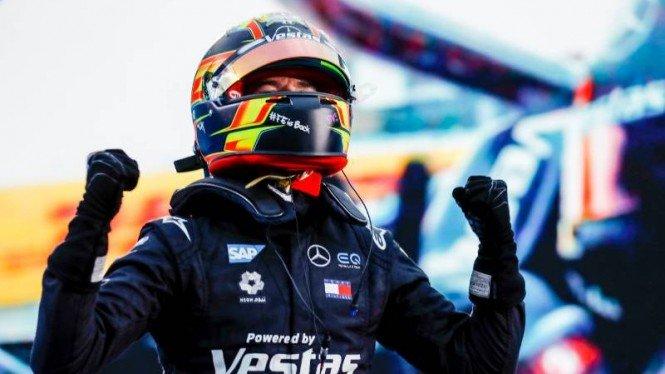 Pembalap Marcedes EQ, Nyck de Vries di Formula E