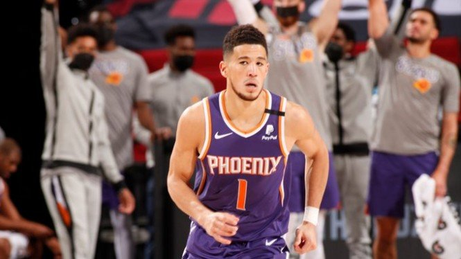 Pemain Phoenix Suns, Devin Booker.