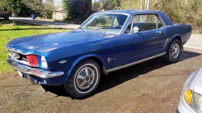 Ford Mustang klasik buatan 1966