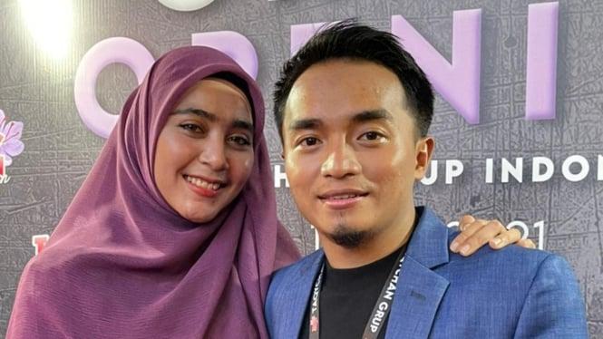 Taqy Malik dan Istrinya