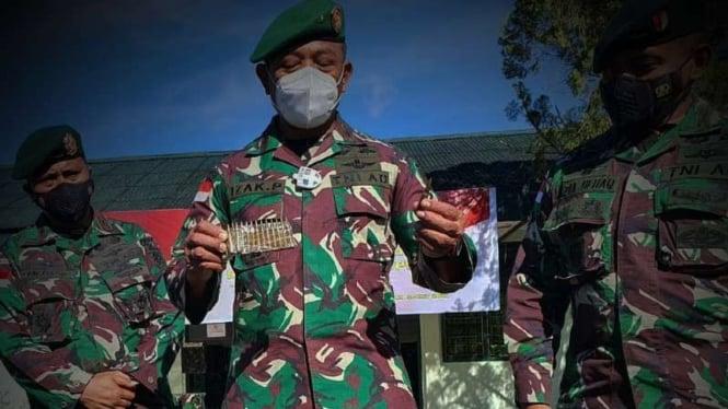 VIVA Militer: Komandan Korem 172/PWY, Brigjen TNI Izak Pangemanan