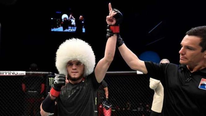 Sadis, Khabib Minta Sepupunya Bertarung seperti Mike Tyson di UFC