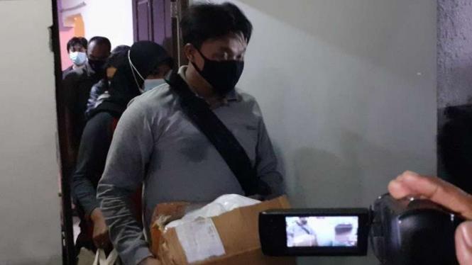 Penggerebekan pakbrik ekstasi di Tangerang oleh polisi