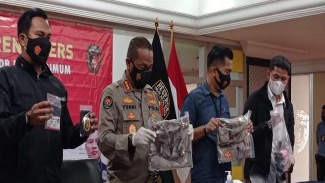 Polda Metro Jaya membekuk polisi gadungan