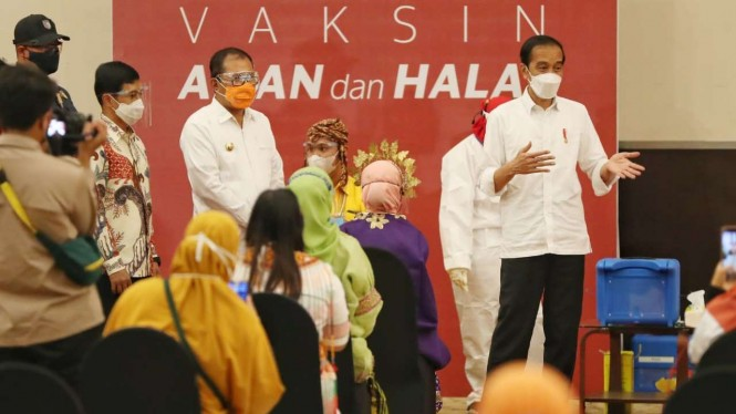 Presiden Jokowi di Festival Vaksinasi Makassar