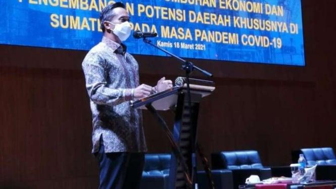 Wakil Ketua Umum Kadin Indonesia Anindya Bakrie dalam forum Silaturahmi dan Dialog Ketua Umum Kadin Provinsi se-Sumatera di Hotel Aston, Batam, Kepulauan Riau, Kamis, 18 Maret 2021.