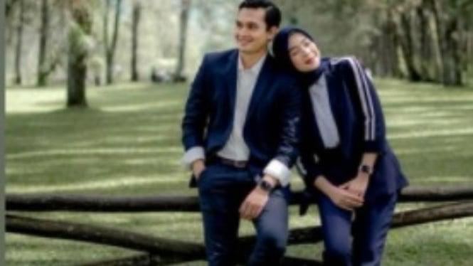 Ikbal Fauzi dan Novia Giana Nurjanah