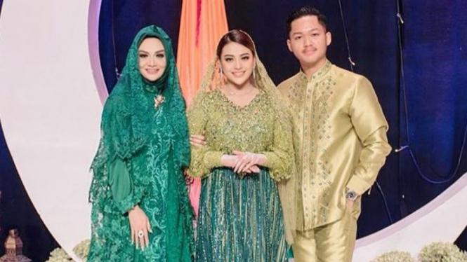 Krisdayanti, Aurel dan Azriel Hermansyah.