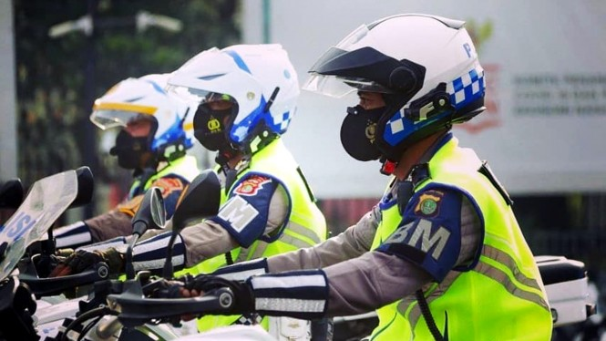 Helm polisi Polda Metro Jaya dibekali kamera Sena 10c Pro