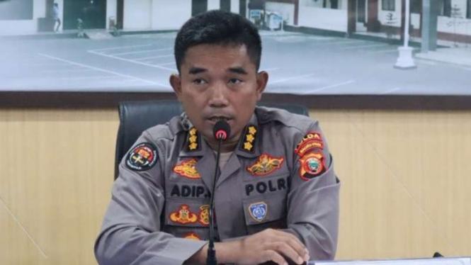 Kepala Bidang Hubungan Masyarakat Kepolisian Daerah Maluku Utara Kombes Pol Adip Rodjikan.