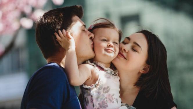 Ilustrasi parenting/orangtua dan anak.