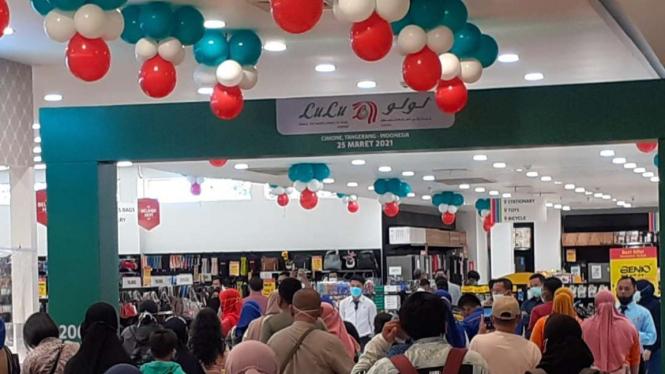 Pembukaan Lulu Supermarket di Cimone, Kota Tangerang.
