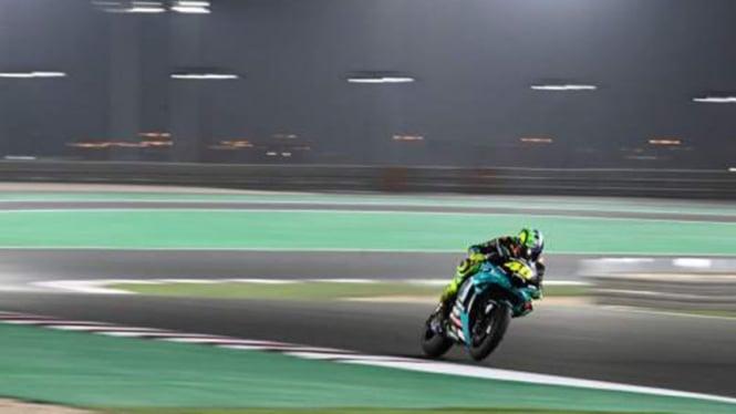 Pembalap Petronas Yamaha, Valentino Rossi di latihan bebas MotoGP Qatar 2021.