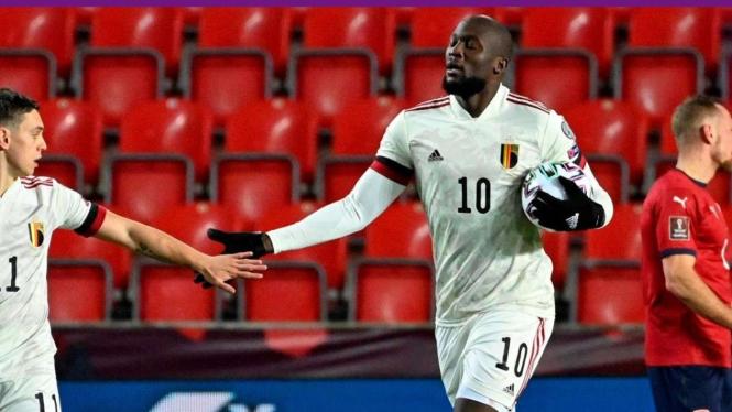 Strikerl Belgia, Romelu Lukaku membobol gawang Ceko