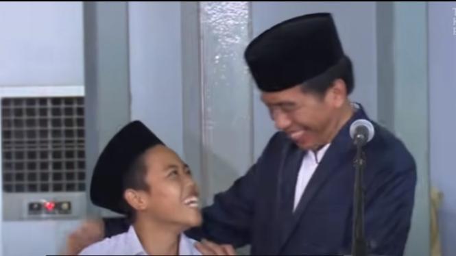 Jokowi dan Santri (Foto/YouTube/PresidenJokoWidodo)