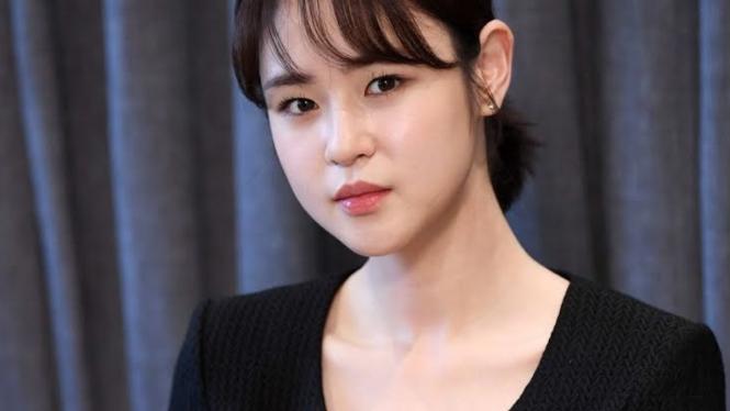 Shim Eun Woo.