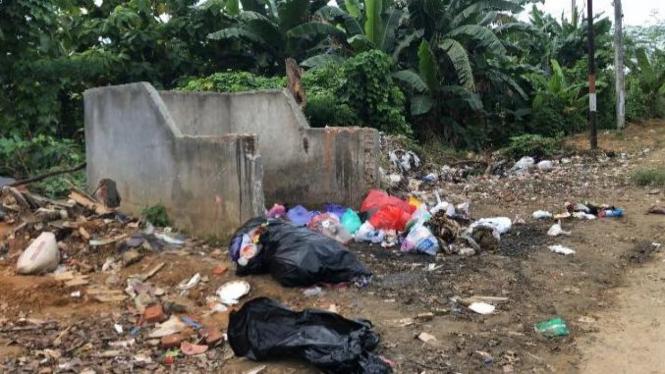 Salah satu pembuangan sampah umum di Kota Kendari