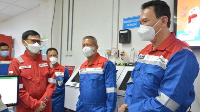 Komut Ahok dan Condro Kirono kunjungi area kilang Pertamina Balongan