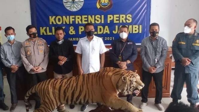 Penggagalan penjualan ilegal offset harimau dan gading gajah