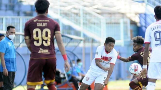 Duel Borneo FC vs PSM Makassar.