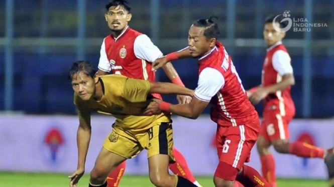 Duel Persija Jakarta vs Bhayangkara Solo FC.