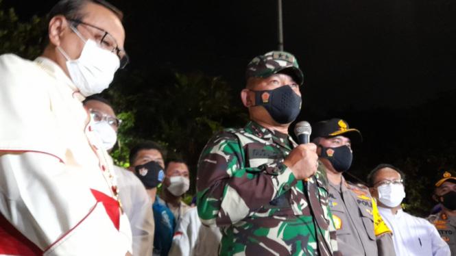 Pangdam Jaya Mayjen TNI Dudung Abdurrahman kunjungi Gereja Katedral Jakarta.