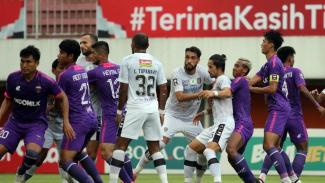 Pertandingan Bali United melawan Persita Tangerang