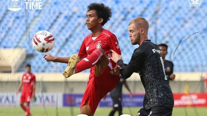 Pertandingan Persik vs Madura United di Piala Menpora 2021.