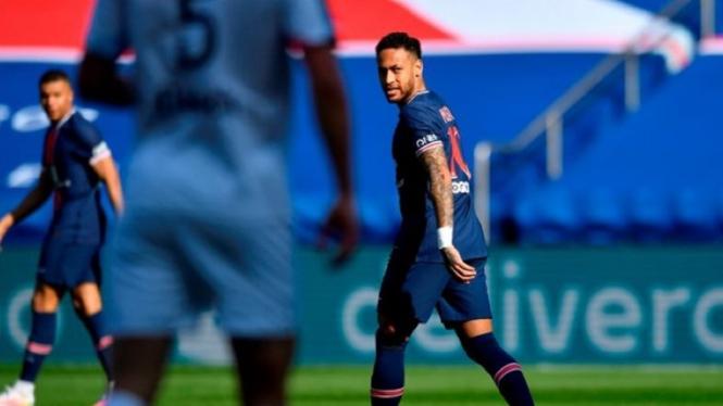 Neymar dalam pertandingan Paris Saint-Germain melawan Lille
