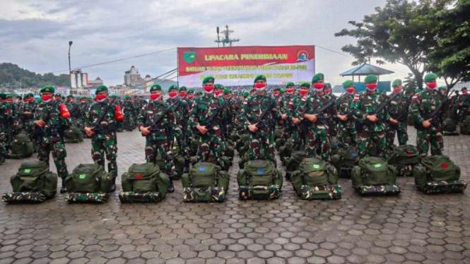VIVA Militer: Satgas Pamtas RI-Papua Nugini dari Yonif131/Braja Sakti