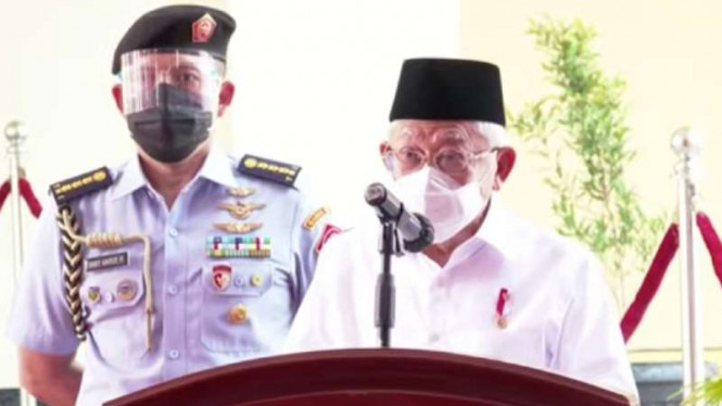 Wakil Presiden Ma'ruf Amin meresmikan pasar rakyat di Kota Pariaman, Sumatera Barat, yang khusus memperjualbelikan produk-produk usaha mikro, kecil, dan menengah (UMKM), Selasa, 6 April 2021.