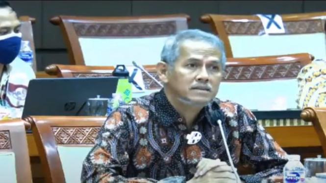 Kepala BPKH Anggito Abimanyu mengikuti rapat dengan Komisi VIII DPR RI