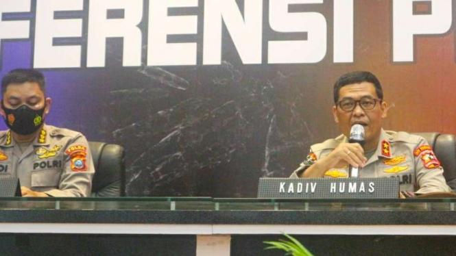 Kadiv Humas Polri, Irjen Pol. Argo Yuwono saat memberikan keterangan pers.