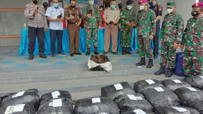 Barang bukti 1 ton vanili yang diselundupkan oleh 4 WNA Papua Nugini