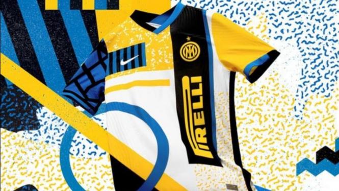 Jersey keempat Inter Milan untuk musim 2021/2022.