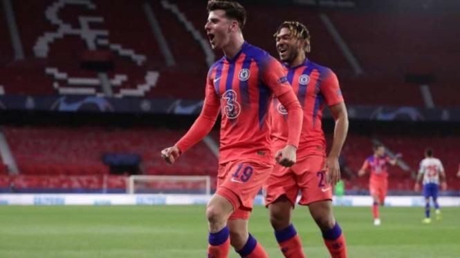 Pemain Chelsea, Mason Mount rayakan gol