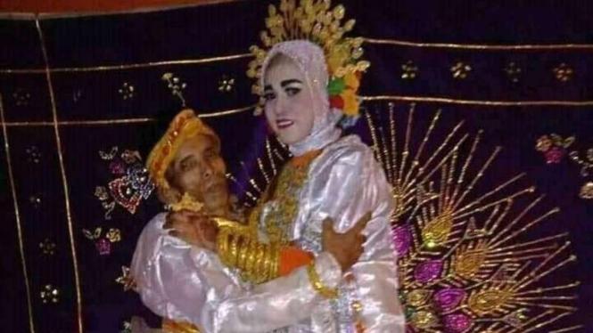Kakek Bora menikah dengan janda 19 tahun