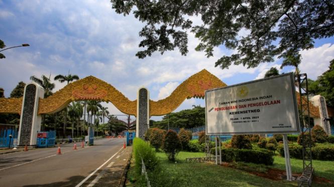 Taman Mini Indonesia Indonesia (TMII)