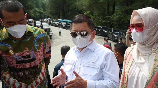 Menteri PPN/Kepala Bappenas Suharso Monoarfa di Sumatera Barat.