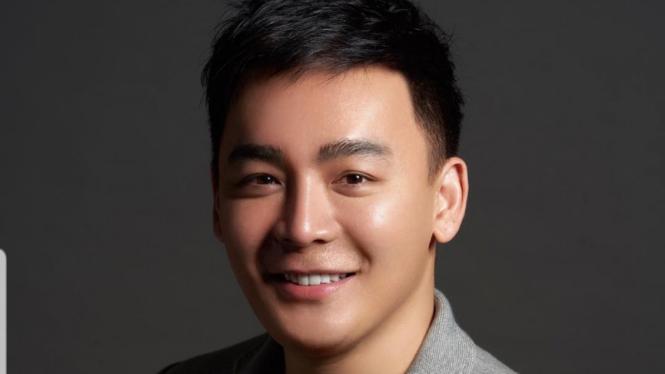MUA Andy Chun.