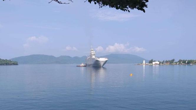 Kapal perang Prancis bersandar di Sabang, Aceh.