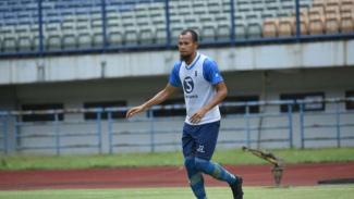 Bek Persib Bandung, Supardi Nasir.