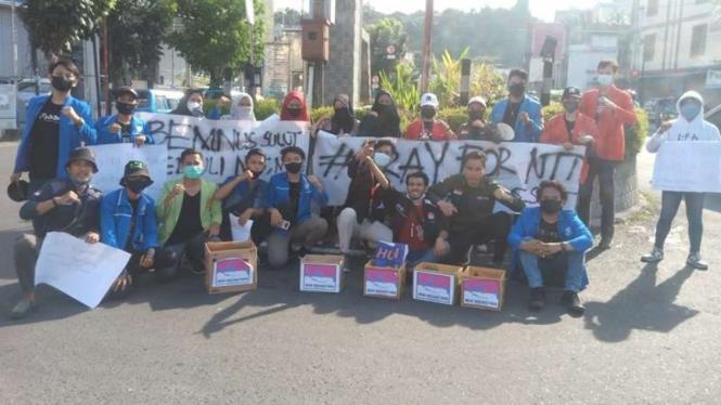 BEM Nusantara menggelar aksi kemanusian untuk korban bencana di NTT