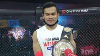 Juara kelas featherweight One Pride MMA, Aep Saepudin.