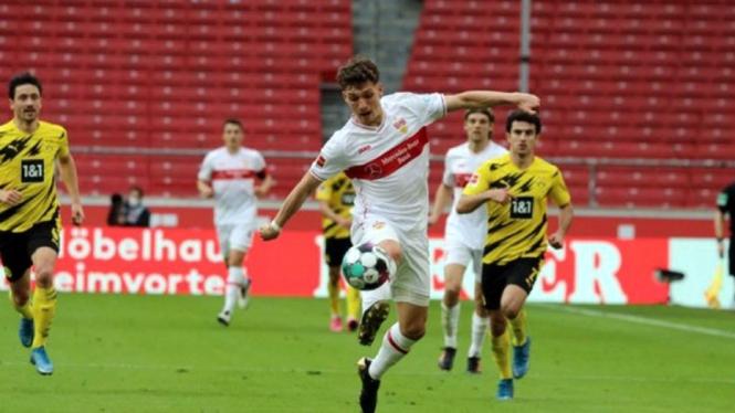 Pertandingan VFB Stuttgart vs Borussia Dortmund