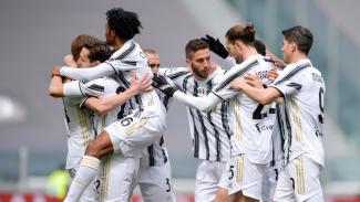 Pemain Juventus merayakan gol