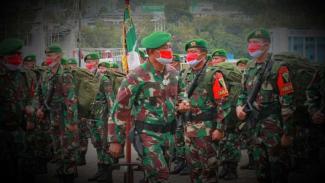 VIVA Militer: Yonif 403/WP, Pasukan Garuda Merah TNI saat tiba di Papua.