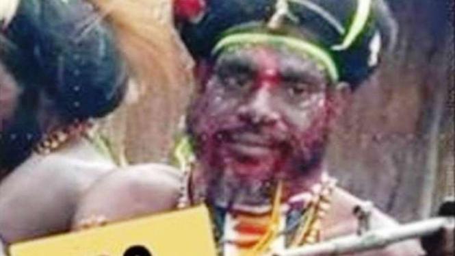 Foto salah satu anggota kelompok kriminal bersenjata di Papua, Frenggen Tenggelen, yang sekarang ditetapkan sebagai buronan.