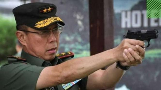 VIVA Militer: Mayjen TNI (Purn.) Andi Sumangerukka