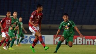 Pertandingan Bali United melawan PSS Sleman